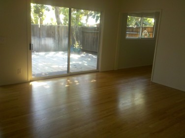 Corner 850 4 Living Room to Deck